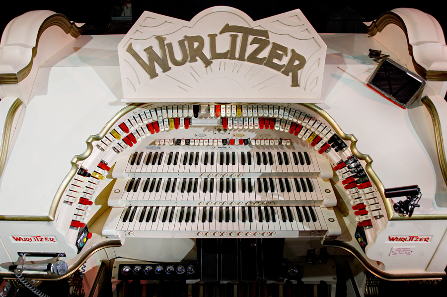 Tower Wurlitzer Console Detail